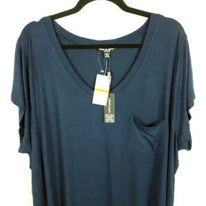 NWT Cable & Gauge V-Neck Short Sleeved Shirt